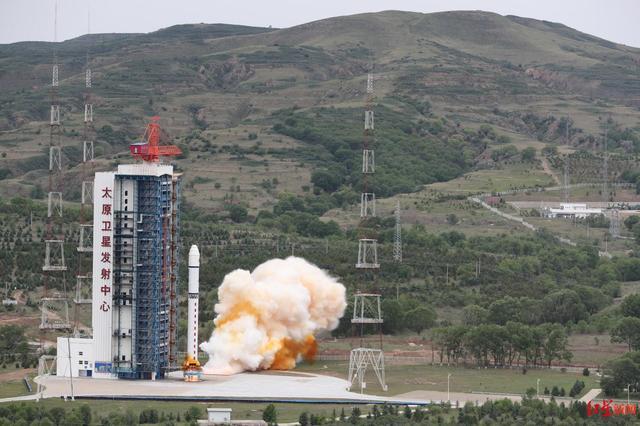 北京三号卫星成功发射 长征系列运载火箭第373次飞行