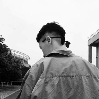 2019黑白炫酷微信男生头像分享  最新黑白炫酷微信男生头像大全推荐介绍