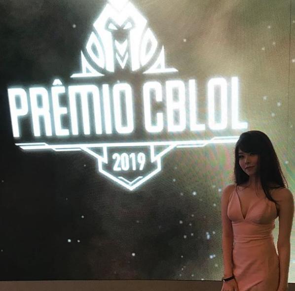 英雄联盟巴西赛区女辅助LOLMayumi个人介绍 lolmayumi微博介绍