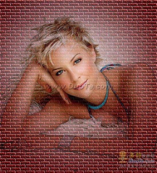 PS合成照片实例:把美女放到红砖墙里