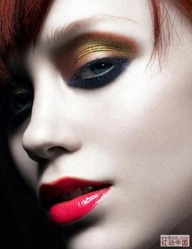 Photoshop打造美女与报纸溶图效果